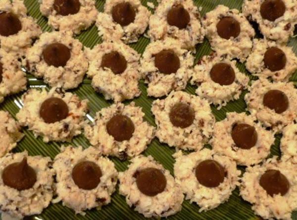 Coconut Macaroon Kisses Recipe