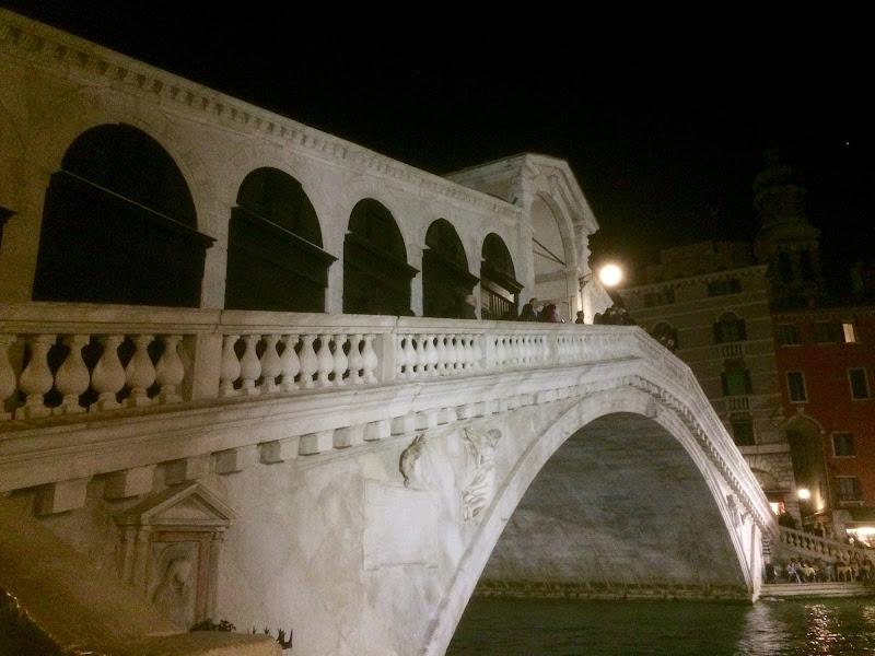 Ponte di Rialto e la notte intorno di alberto_longhi