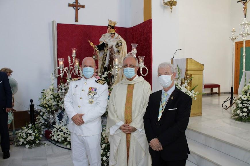Comandante naval, párroco de San Roque y hermano mayor.