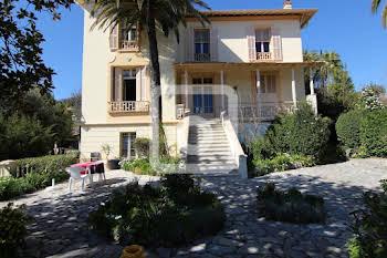 Villa 11 pièces 298 m2