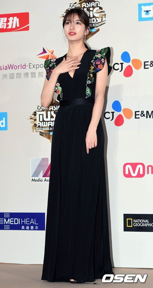 suzy gown 19