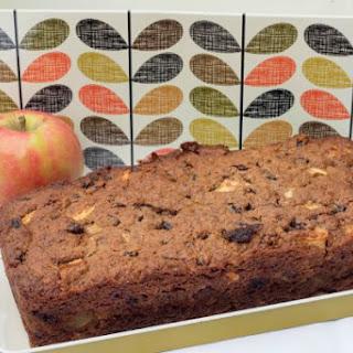 Quinoa, Apple And Cinnamon Cake