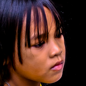 Penny for your thoughts. by Jamaluddin Abdul Jalil - Babies & Children Children Candids ( child, headshot, streetphotography, streetscene, girl, thailand, children, street and candids )
