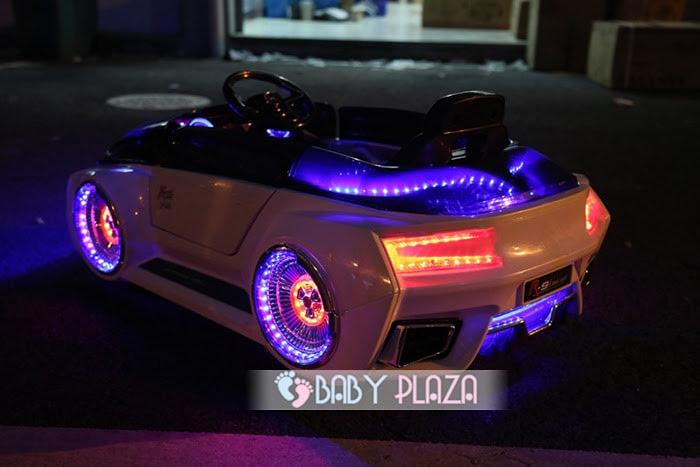 Xe hơi điện thể thao cho bé HL-988 11