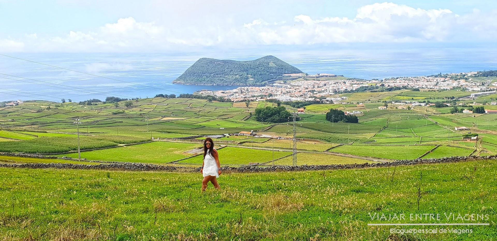 Subir à Serra da Ribeirinha, na ilha Terceira