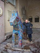 Photo: Dalahäst - Dala arkliukas, vienas iš Švedijos simbolių, kurį sugalvojo medkirčiai, gyvenę rąstiniuose namukuose gūdžiose giriose ir drožę arkliukus vaikams, nes tais laikais arklys buvo labai vertinamas gyvūnas.
