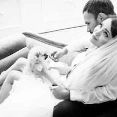 Wedding photographer Andrey Andreev (andygoodlight). Photo of 16.12.2016