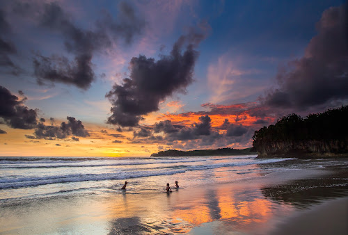 three friends & sunset by Wb Wilapa - Landscapes Beaches ( sky, indonesia tourism, beach, sunset, boys, sunsets, girls, water, people, indonesia,  )