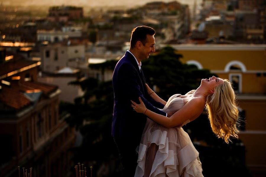 Wedding photographer Sabina Mladin (sabina). Photo of 17.06.2018