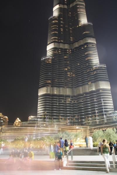 Вечірня красуня - найвища будівля в світі Бурдж Халіфа