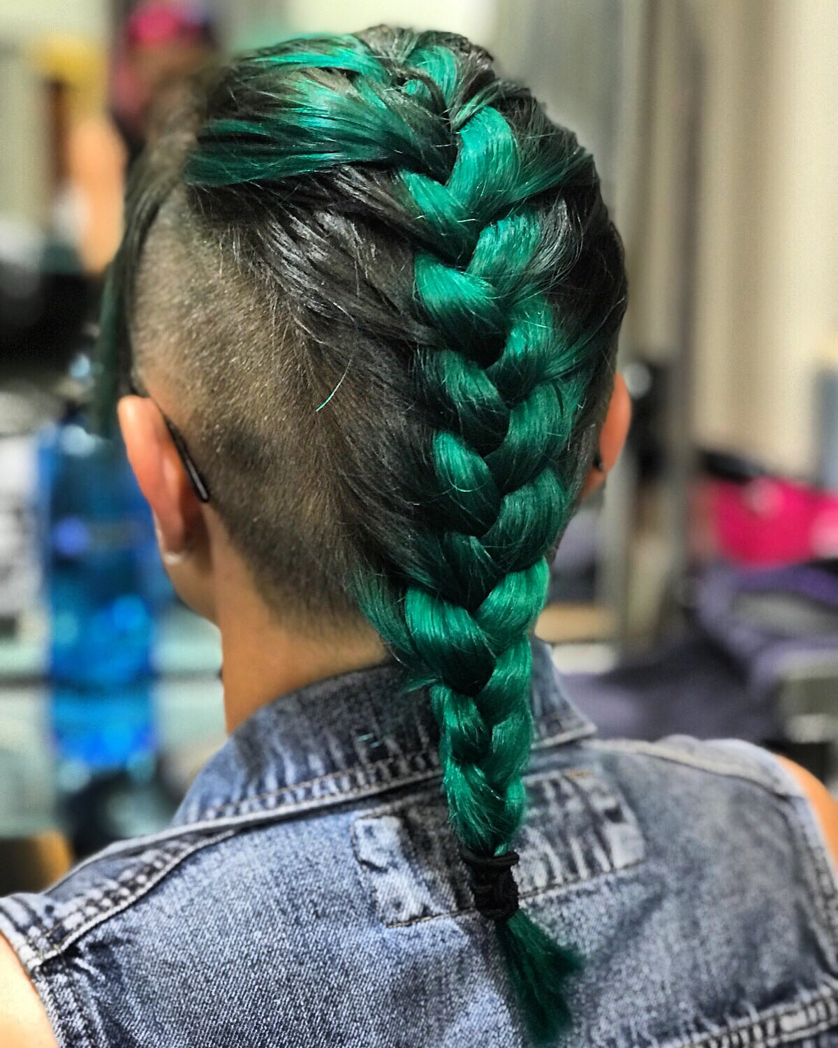@aerialdowdy Green hair using Pulp Riot. Fashion Color hair in Columbus, Ohio