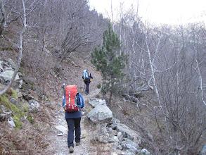 Photo: Un camino bien marcado sube hasta el refugio