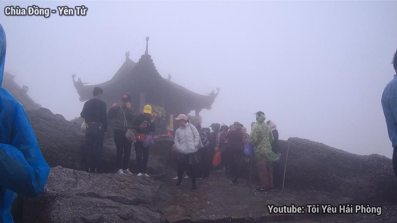 Gió quá to tại Chùa Đồng khi leo núi Yên Tử quảng ninh 6