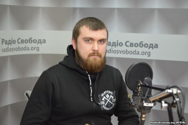 Речник «Національних дружин» Ігор Вдовін в ефірі Радіо Свобода заявив, що силовий сценарій – не виключений
