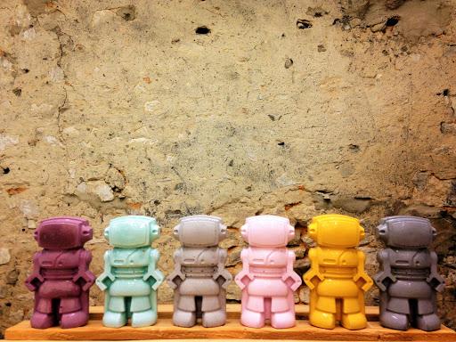 figurine robot béton ciré junny