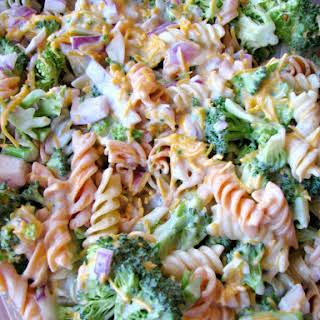 Broccoli Cheddar Pasta Salad (Walmart Copycat Recipe).