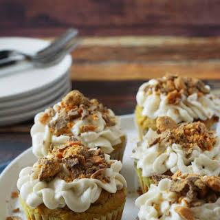 Gluten Free Pumpkin Butterfinger Cupcakes.
