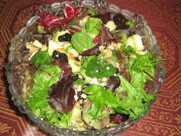 Cranberry-Gorgonzola Green Salad