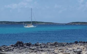 Photo: C'est la Vie Anchored off Soldier Cay