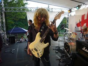 Photo: めおと、じゃなくて、おっさんバンドの会田さん。こちらは昨年購入したストラトです。リッチーになりたかったそうで、ラージヘッドではないですがキャップロッド仕様のようです。