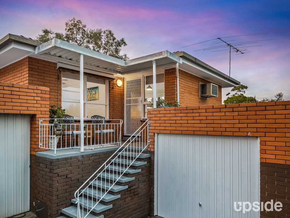 Main photo of property at 4/25 Rockbeare Grove, Ivanhoe 3079