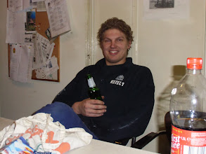 Photo: René, lekker koud biertje na gedane arbeid