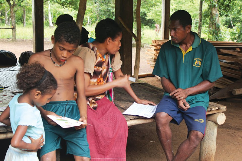 Photo: Communities in Papua New Guinea learn about their rights. © Transparency International