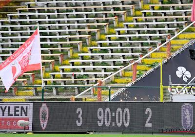 """Geen échte derbysfeer door lege tribunes: """"De actie van onze fans en daarna wat middenvingers in Deurne-Noord. Eens op het veld? Niks!"""""""