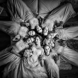 bride by Dejan Nikolic Fotograf Krusevac - Wedding Groups ( wedding photography, vencanje, paracin, brides, wedding dress, wedding photos destination, bridesmaids, wedding day, wedding, krusevac, svadba, bride, vrnjacka banja )