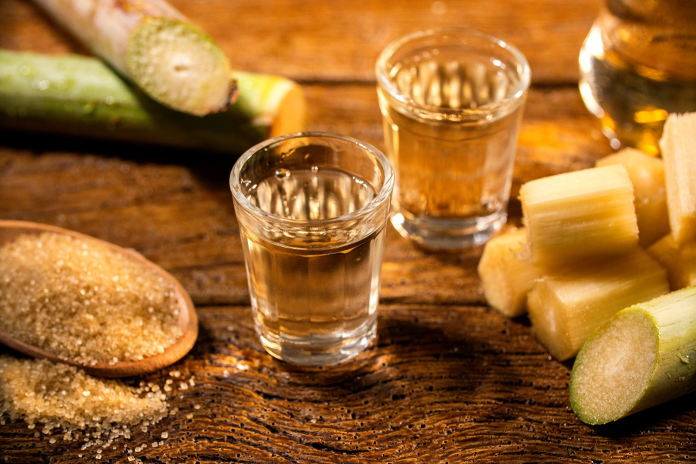 Álcool e açúcar, derivados da cana-de-açúcar