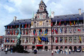Photo: ...and nice public buildings like this Rathaus on the city square.