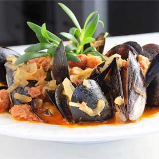 Mussels with Chourico and Sea Purslane