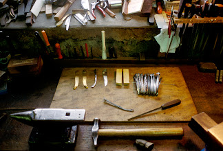 Foto: Frankreich, Laguiole, Messerwerkstatt, 1996 (France, Laguiole, knife manufacturer's workshop, 1996) © Eckhard Supp