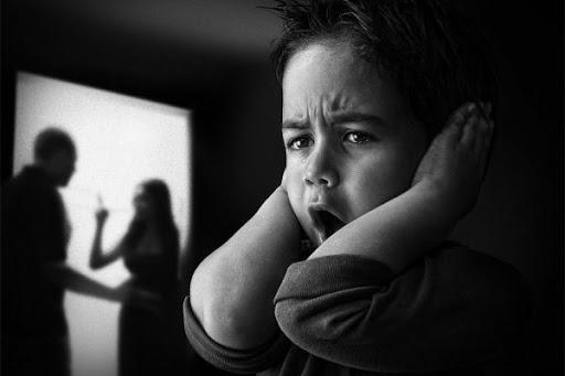 Chứng kiến bố mẹ cãi nhau và nỗi ám ảnh lên cuộc đời con trẻ