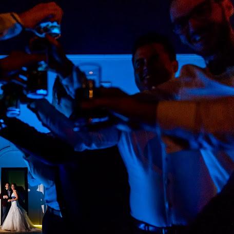 Wedding photographer Adina Dumitrescu (adinadumitresc). Photo of 15.11.2016