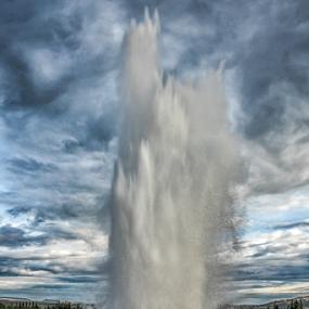 Strokkur geysir Iceland by Kristvin Guðmundsson - Landscapes Waterscapes ( canon, iceland, strokkur, 60d, hot water, travel, geysir,  )