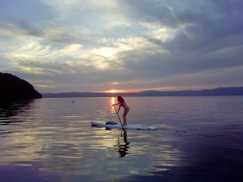 Il sup, il lago, il tramonto...e lei di heaven1985k