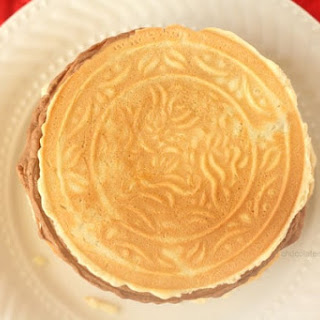 Pizzelles (Italian Wafer Cookies).