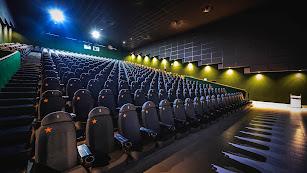 Interior de una de las ocho salas de cine de Monumental.