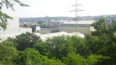 Photo: Eckesey von der Nähe der Ennepe-Mündung. Links am Horizont des Syberg (,die Hohensyburg'), davor Boelerheide; hinter dem Strommasten die Müllverbrennungsanlage am Pfanneofen; hinten rechts Ischeland. (Im Original ein Raumbildfoto.)