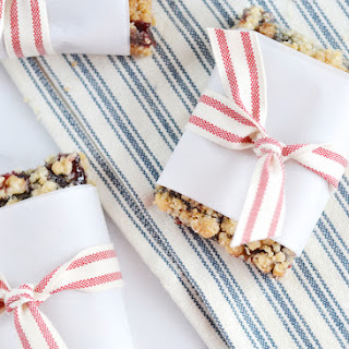 Blackberry Jelly Crumble Bars