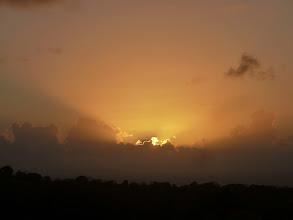 Photo: Lever de soleil sur les saintes