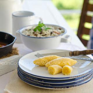 Bollitos de Maíz Recipe (Boiled Cornmeal Dumplings)