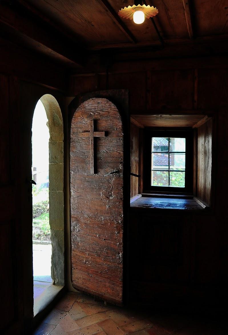 la porta dell'eremo di kaos