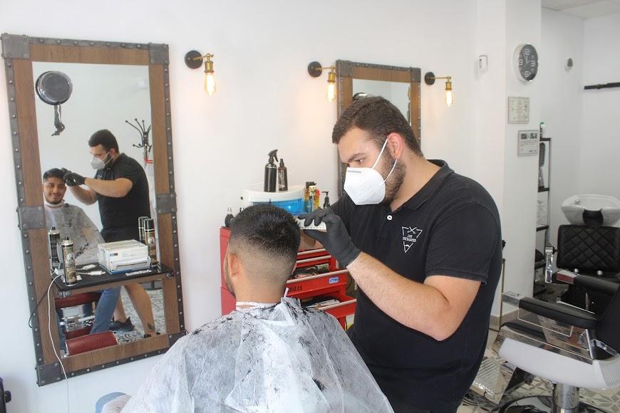 Javi The Barber, peluquería ubicada en la Avenida Cabo de Gata.