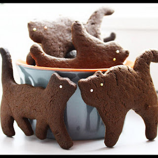 Small Chocolate Cat Biscuits.