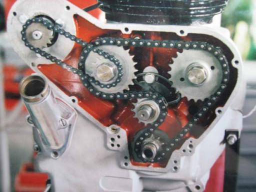 Entretien d'une Moto anglaise monocylindre effectué par Machines et Moteurs à Eaubonne