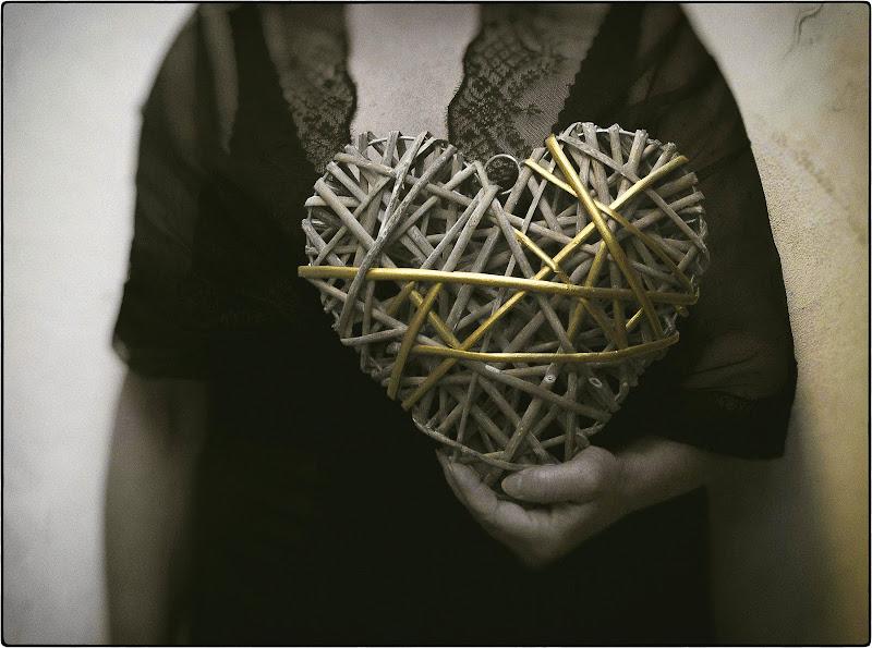 Ogni singola ferita del mio cuore è vita di Erato