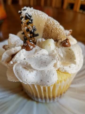 Snickerdoodle Cookie Cupcakes~Robynne