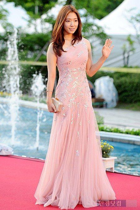 shinhye gown 20